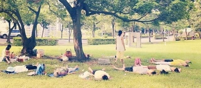 我們的第一場野餐瑜伽