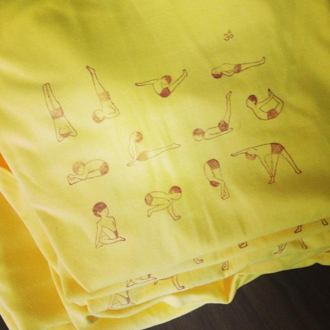 一起來學習的 黃&白色棉T (短袖)12asana(已售完)
