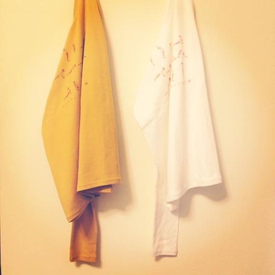 一起來學習的黃白色棉T(長袖)surya namaskar